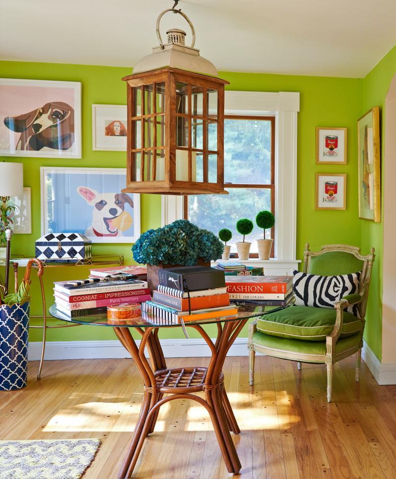 Оттенок Greenery в дизайне гостиной - фото 1