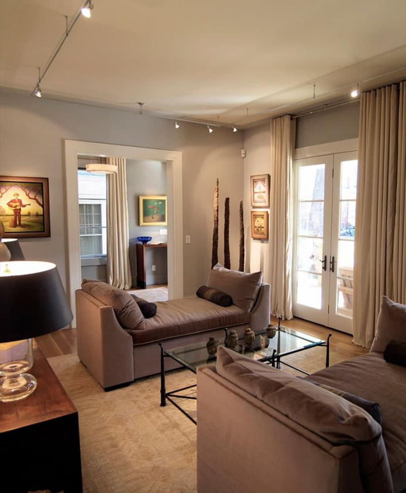 Оттенок Warm Taupe в интерьере гостиной 5