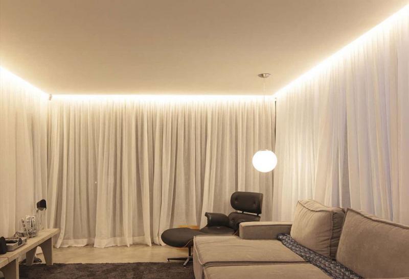Светящиеся шторы в интерьере 2