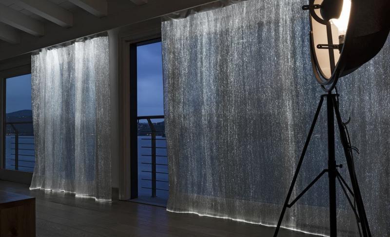 Светящиеся шторы в интерьере 3