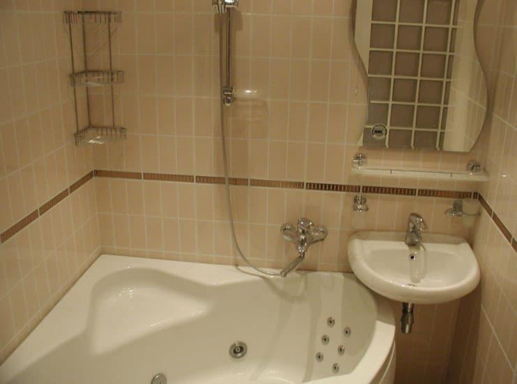 Дизайн ванной комнаты 2 кв. м 5