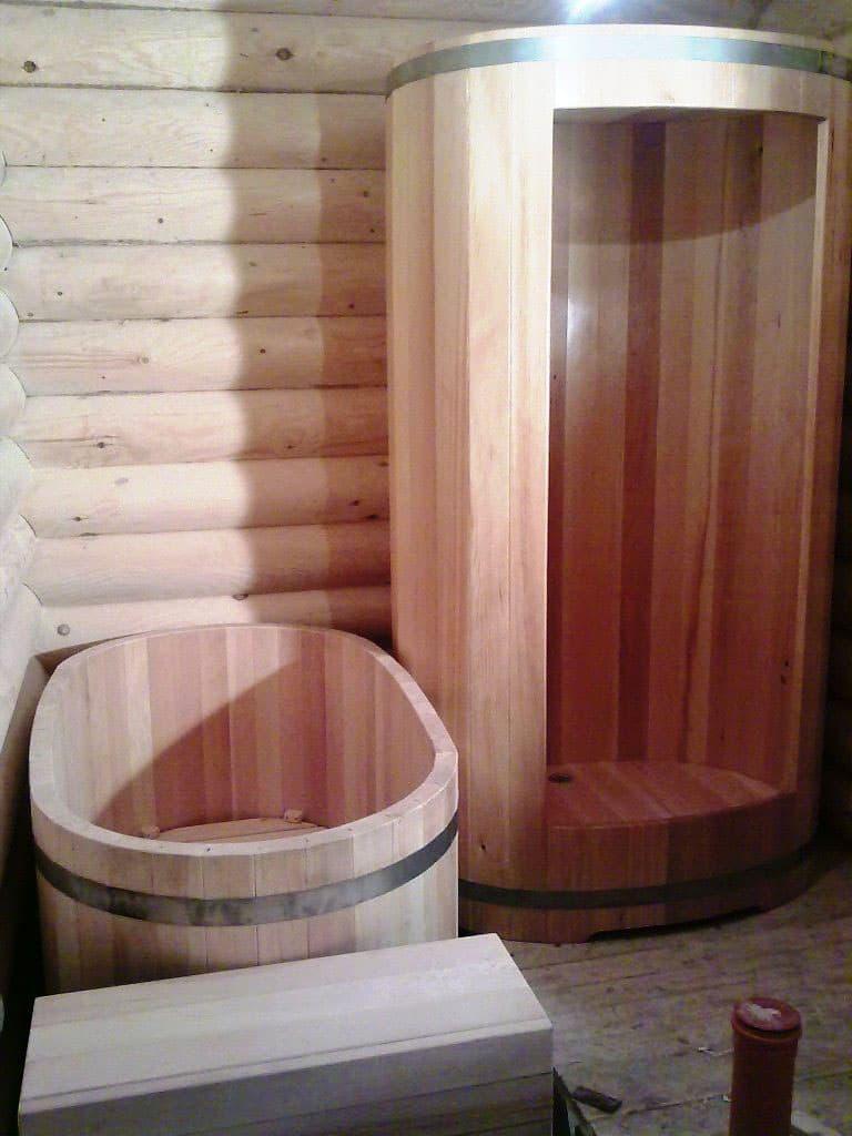 Душевая кабинка из эко-материалов 1