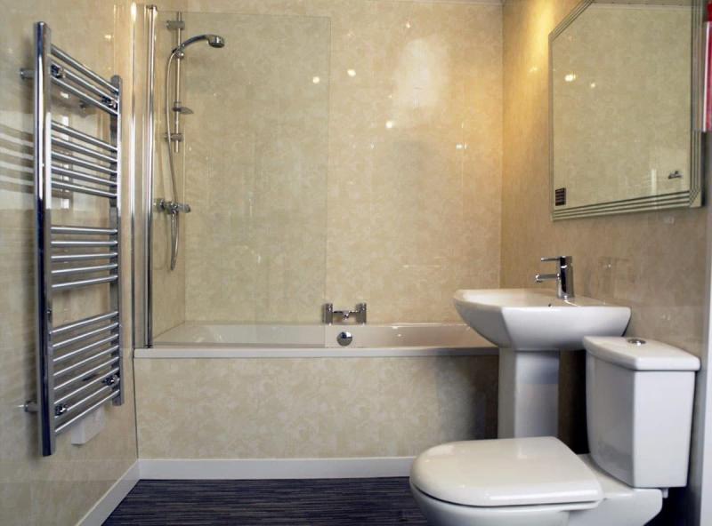 Обшивка стен ванной комнаты пластиковыми панелями 3
