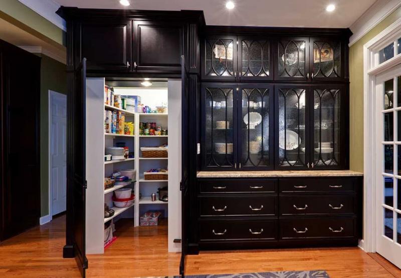 Кладовка на кухне 1