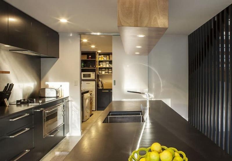 Кладовка на кухне 5