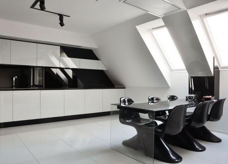 Кухня в черном и белых цветах 2