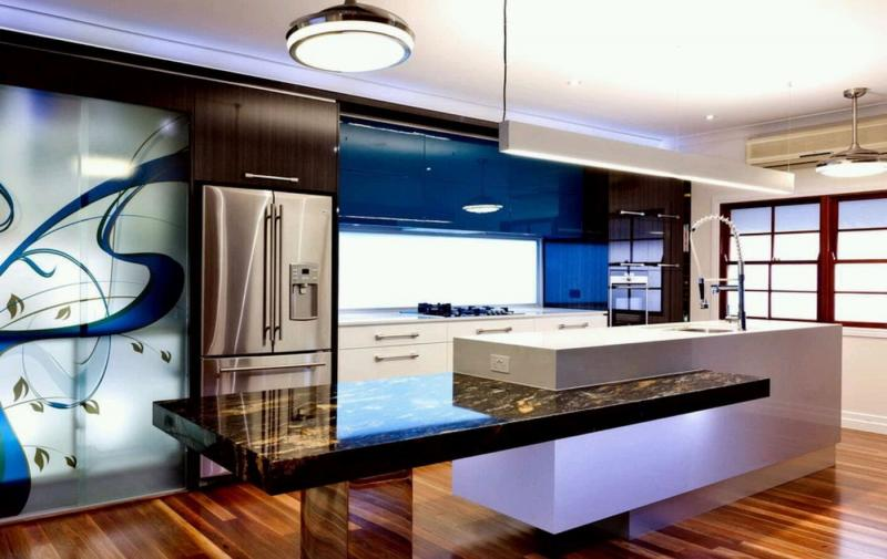 Пример кухни в современном стиле