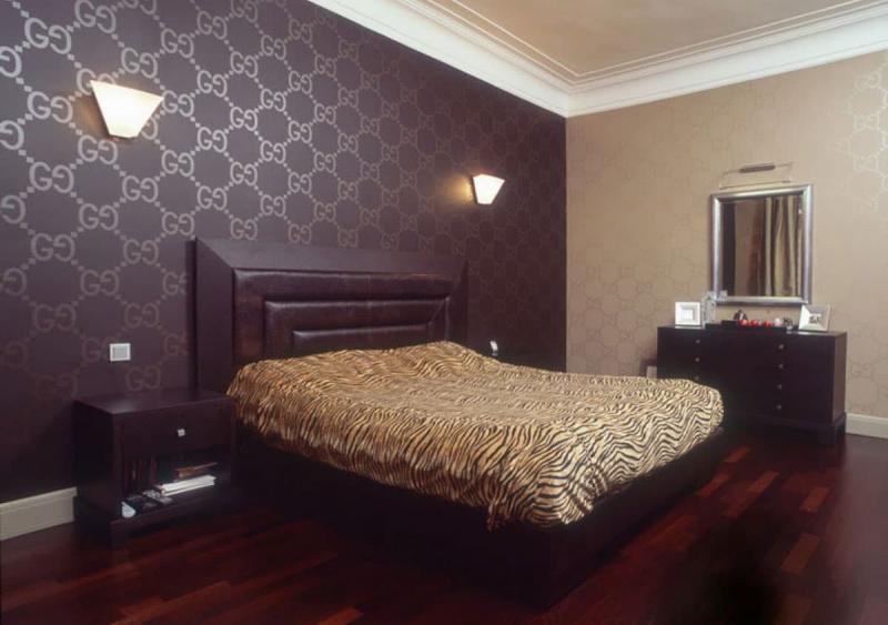 Сочетание 2х видов обоев в интерьере спальни 4