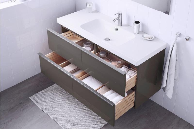 Выдвижные ящики в интерьере ванной 4