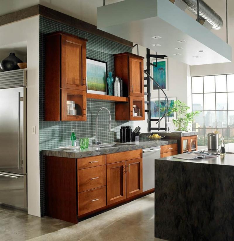 Маленькая кухня в классическом стиле 4