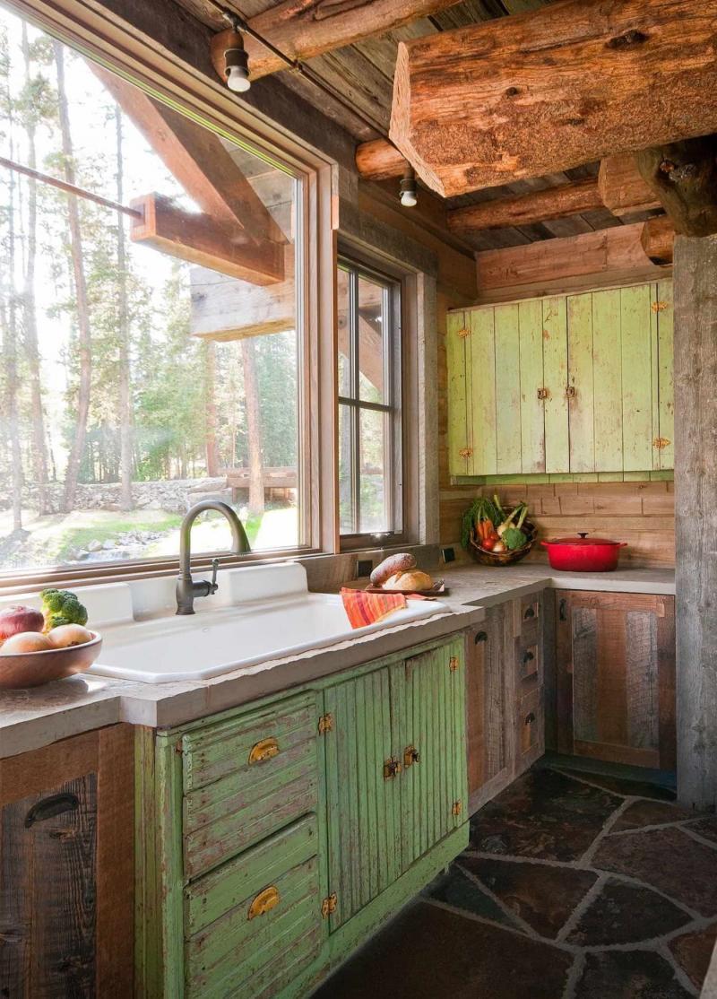 Маленькая кухня в стиле кантри 4