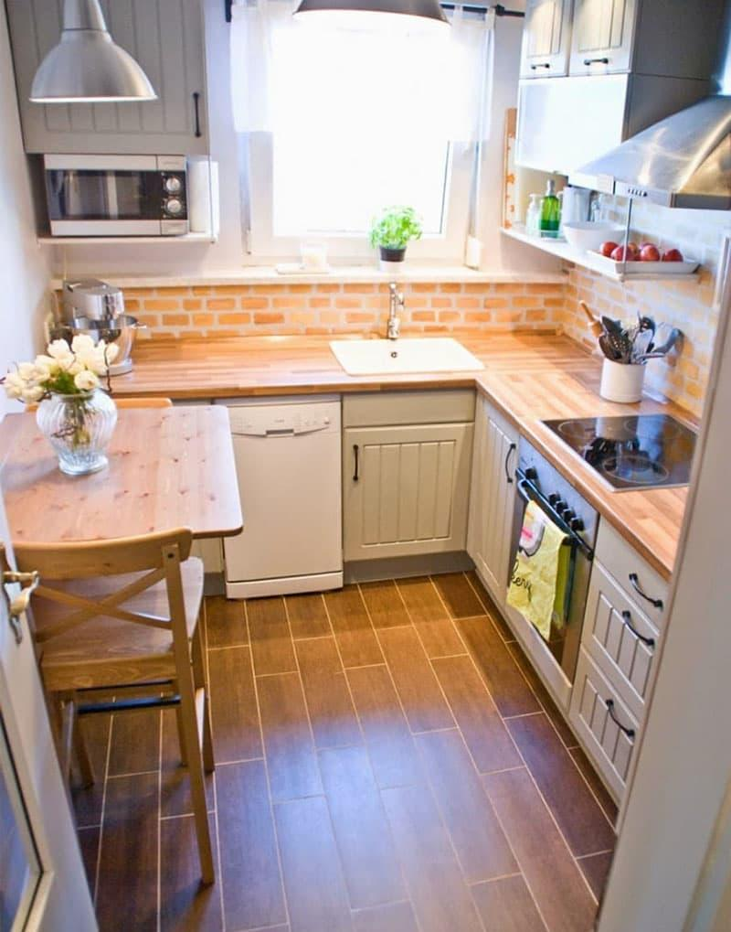 Шторы в интерьер маленькой кухни 1