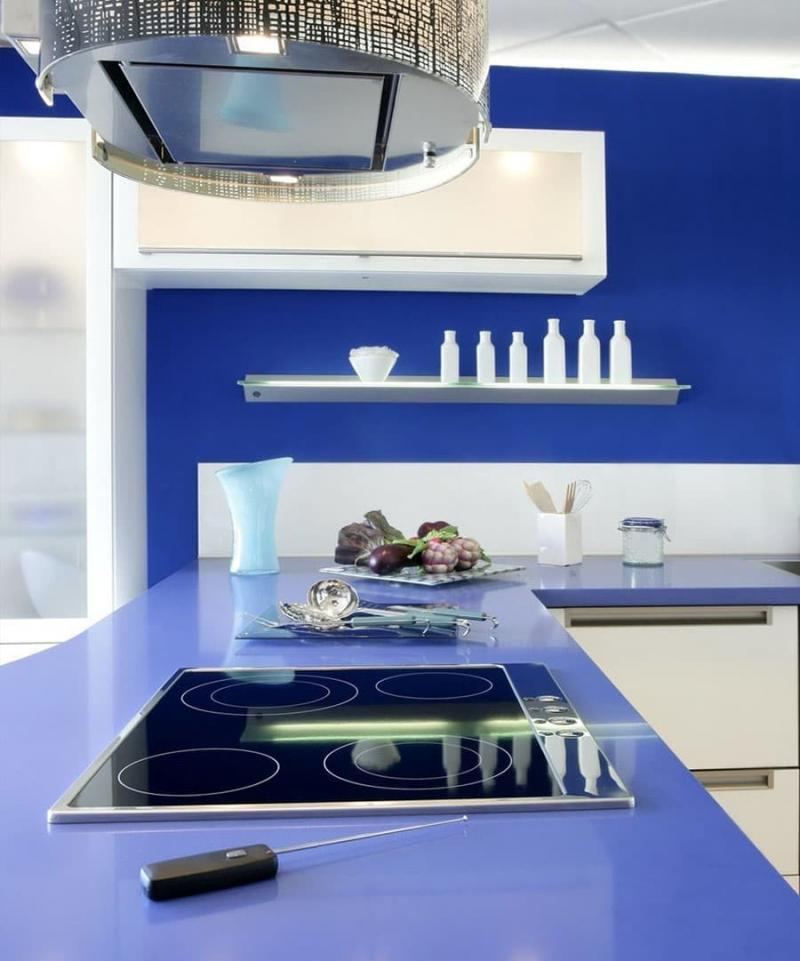 Плита в интерьере кухни 5