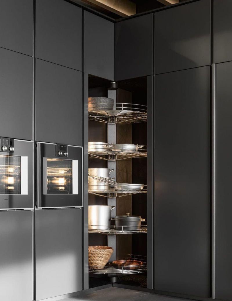 Шкаф-пенал для кухни 2
