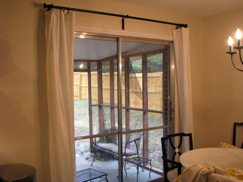 Шторы для кухни с балконом 3