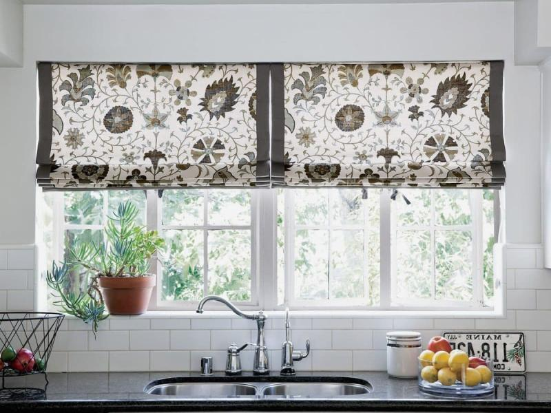 Шторы для кухни с двумя окнами 2