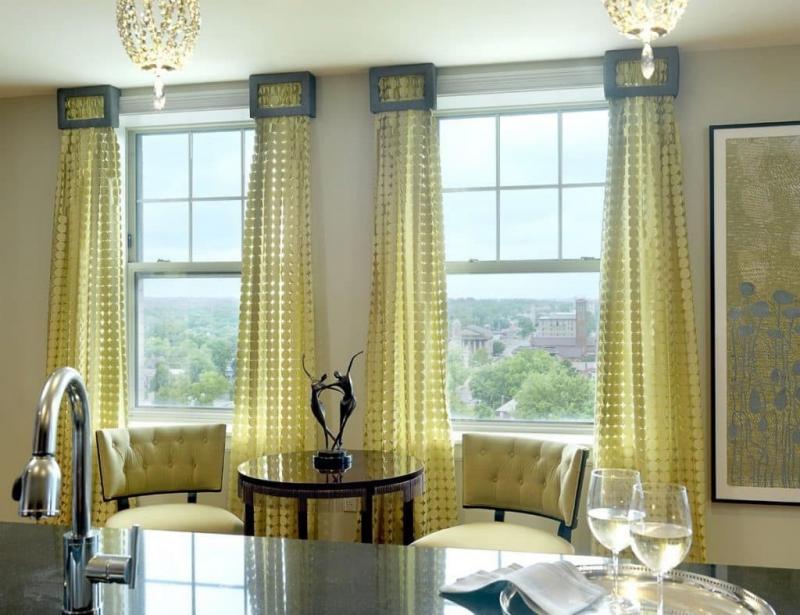 Шторы для кухни с двумя окнами 4