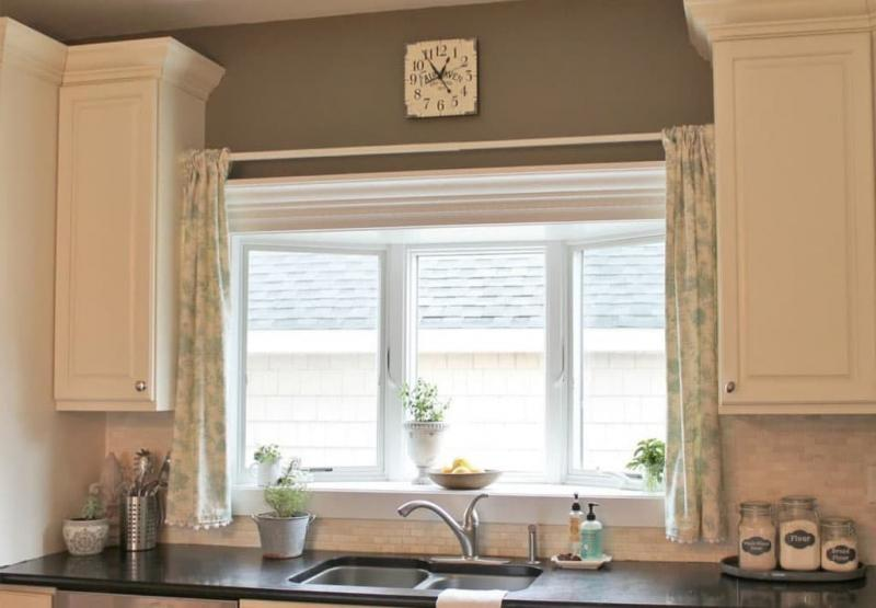 Curtains for kitchen with bay window 2