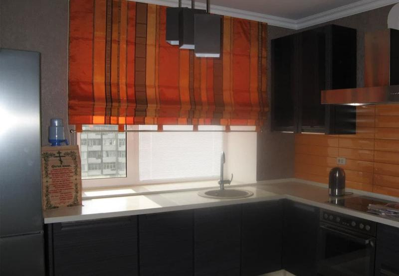 Curtains for the kitchen in Khrushchev 1