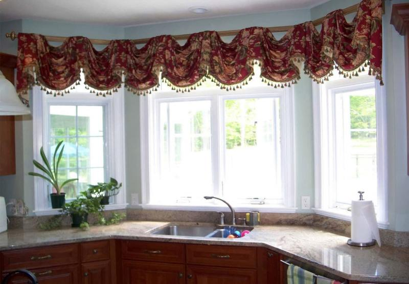 Curtains for kitchen in classic style 2