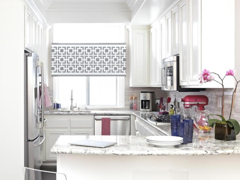 Curtains for the kitchen in a classic style 5