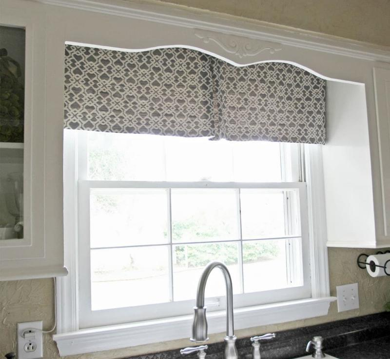 Curtains for kitchen in classic style 8
