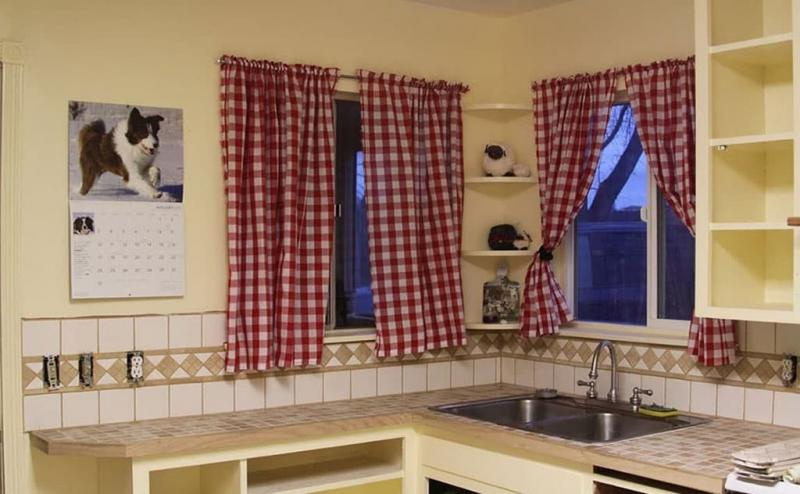 Curtains for kitchen in country style 9