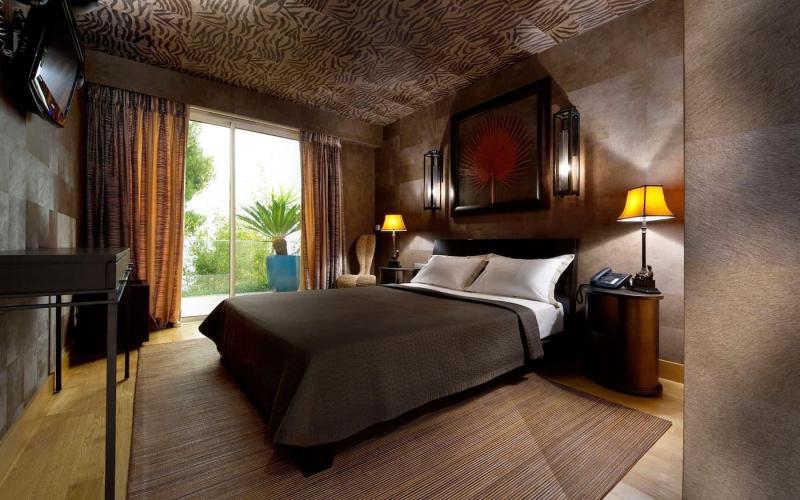 Коричневые шторы для спальни 4