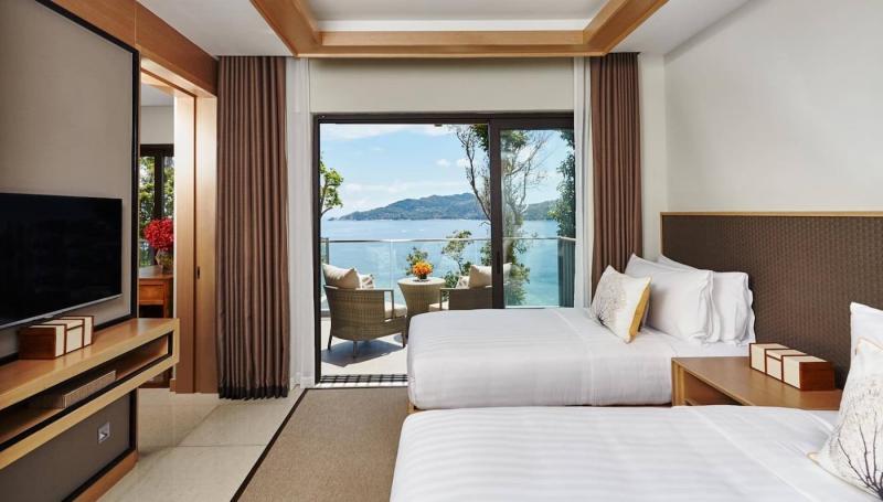 Шторы для спальни с балконом 9