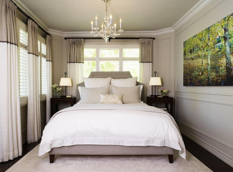 Шторы для спальни с двумя окнами 1