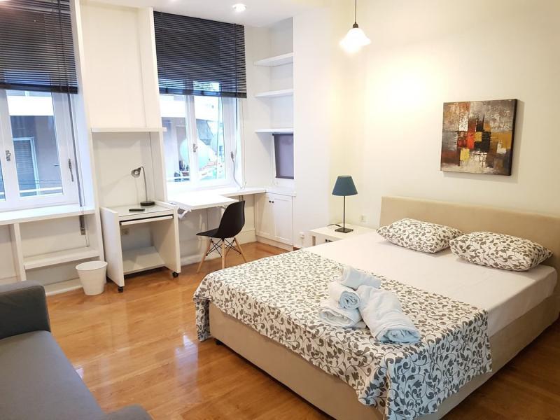 Шторы для спальни с двумя окнами 3