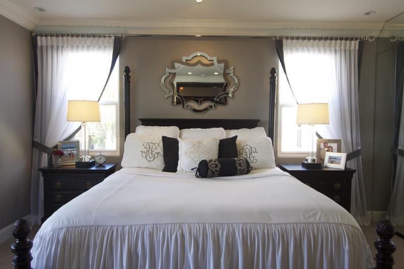 Шторы для спальни с двумя окнами 5