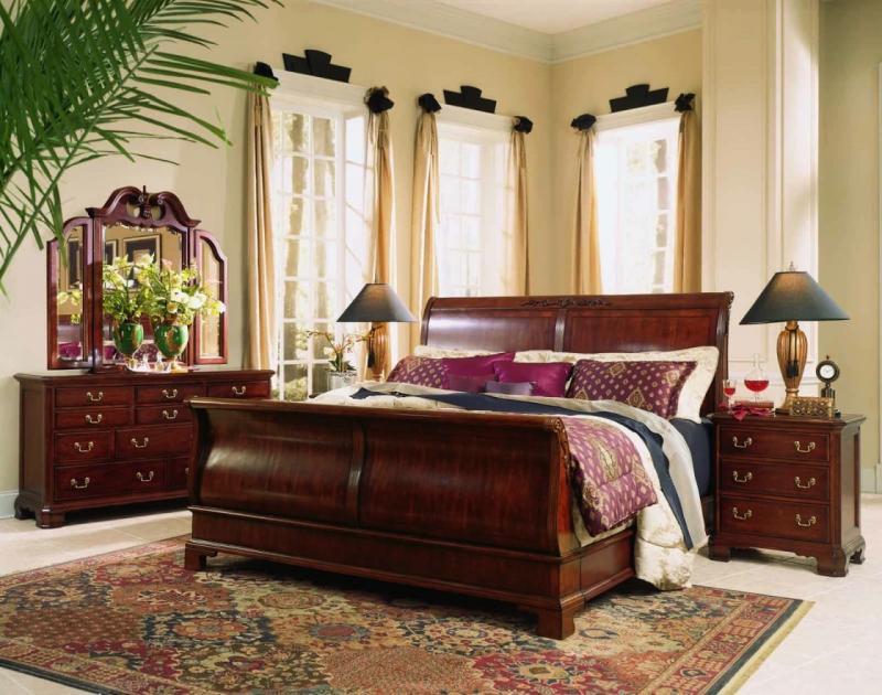 Шторы для спальни в классическом стиле 7