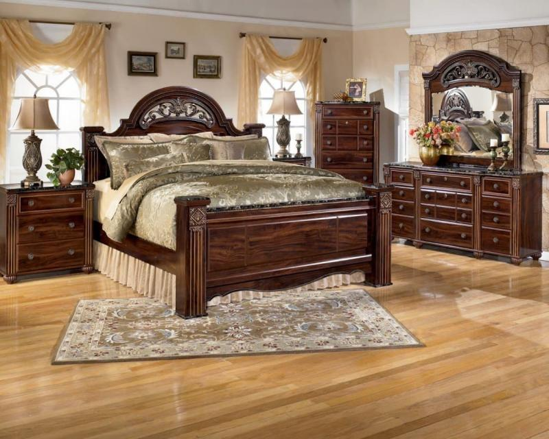 Шторы для спальни в классическом стиле 8