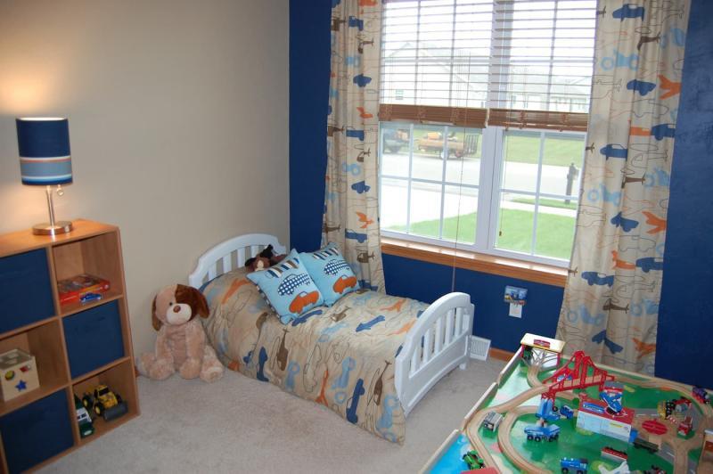 Шторы в спальню для мальчика 1