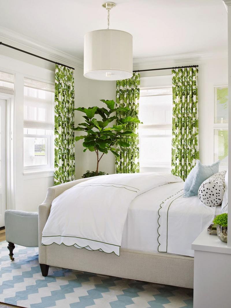 Зеленые шторы для спальни 1