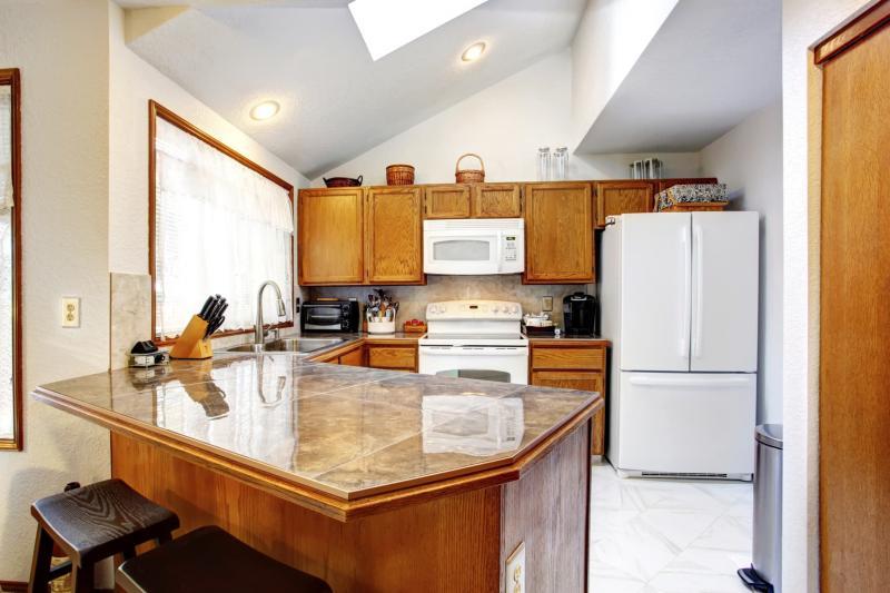 Потолок из гипсокартона для кухни 6