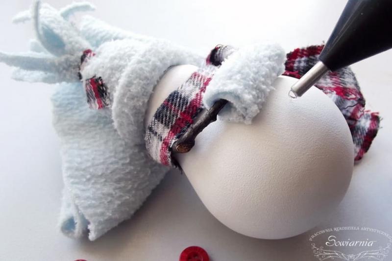 Снеговик из старой лампочки 18