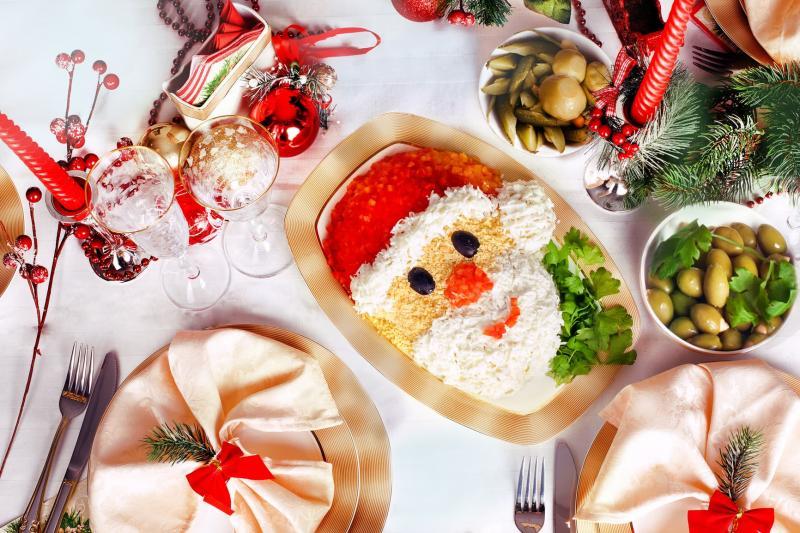 Новогодний салат Дед Мороз 1