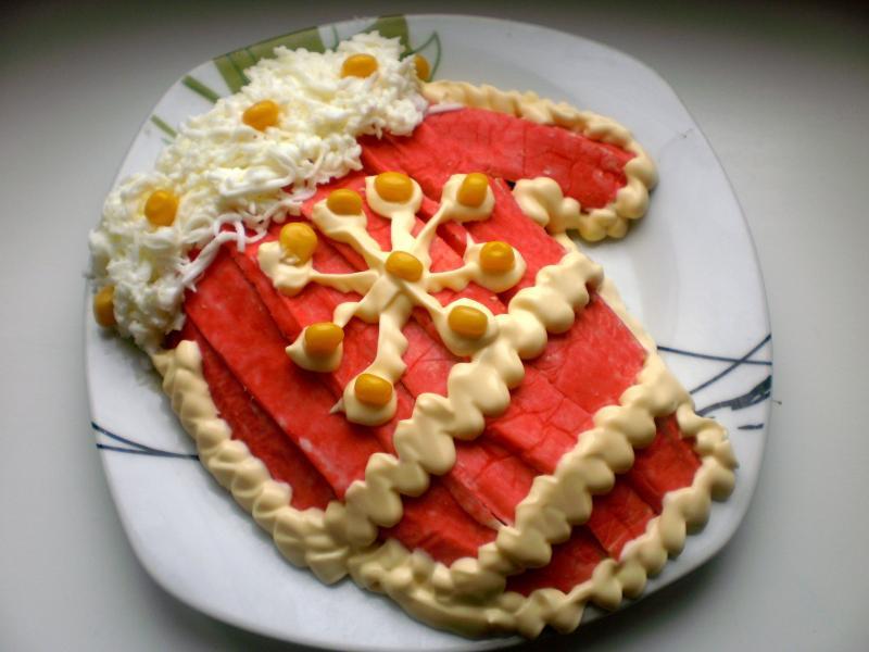 Новогодний салат Варежка