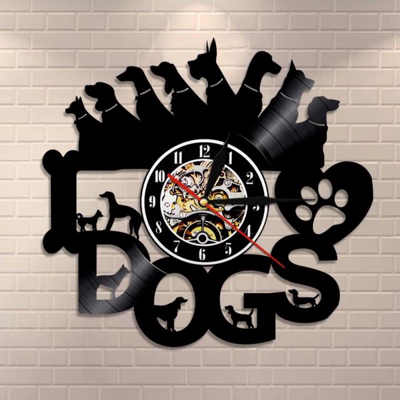Часы из старой пластинки с собаками