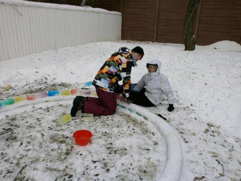 Снег вместо цемента для строительства иглу 2
