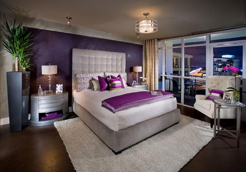 Акцентная фиолетовая стена 3