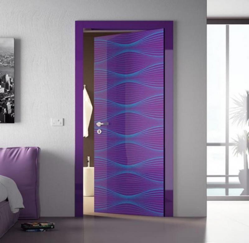 Двери фиолетового цвета 4
