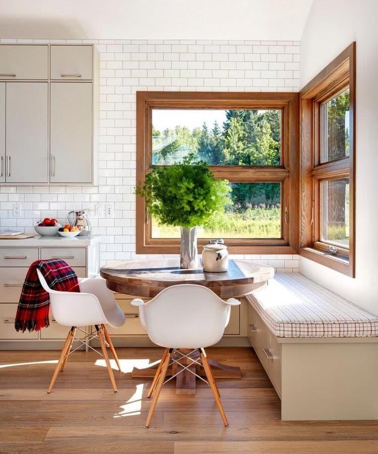 Деревянная скамейка на кухне 2