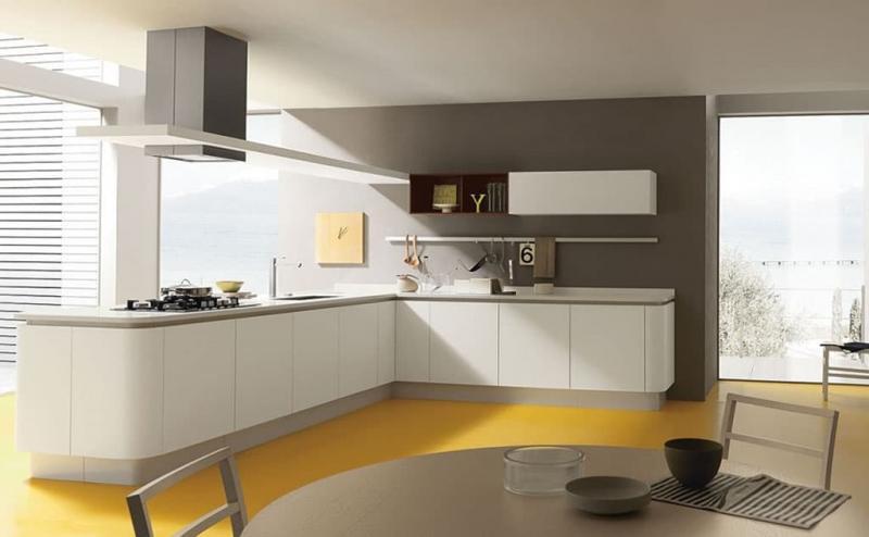 Кухня без верхней линии шкафов 2