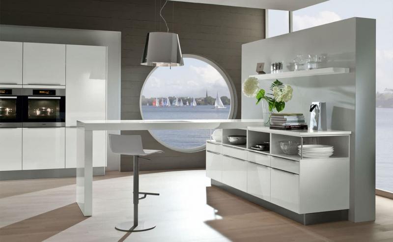 Кухня без верхней линии шкафов 5