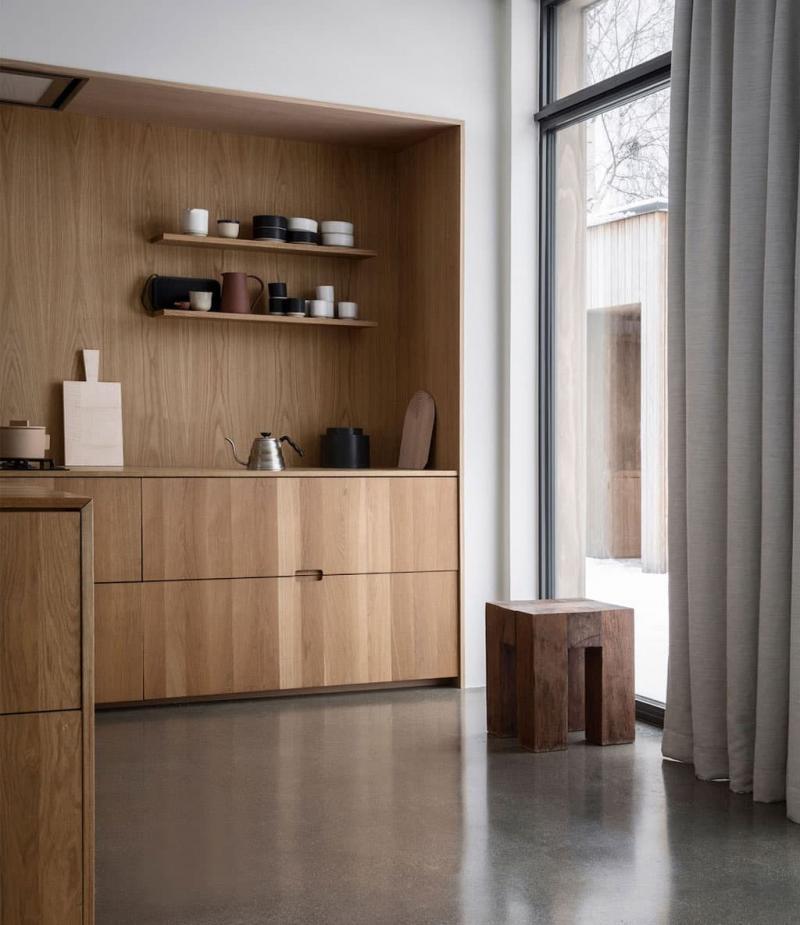 Кухня с древесными фасадами 2