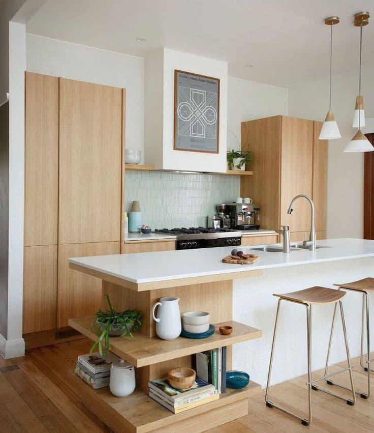 Кухня с древесными фасадами 4
