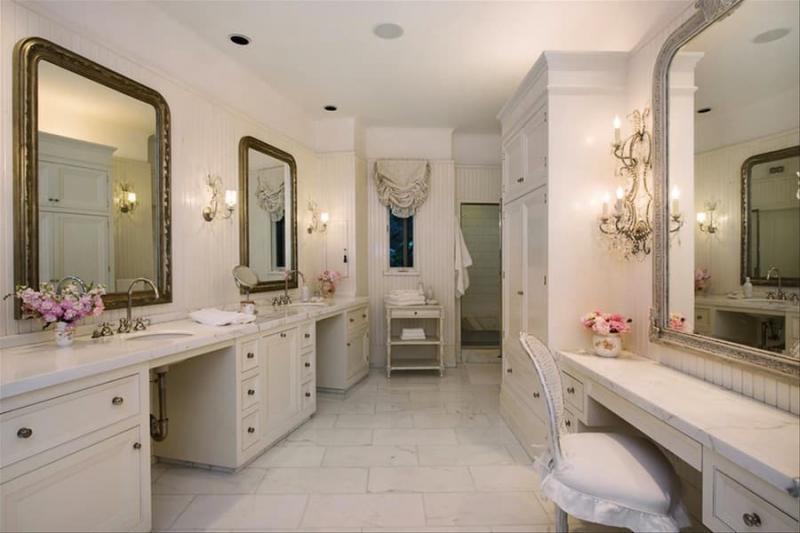 Туалетная комната Дженифер Лоуренс 1